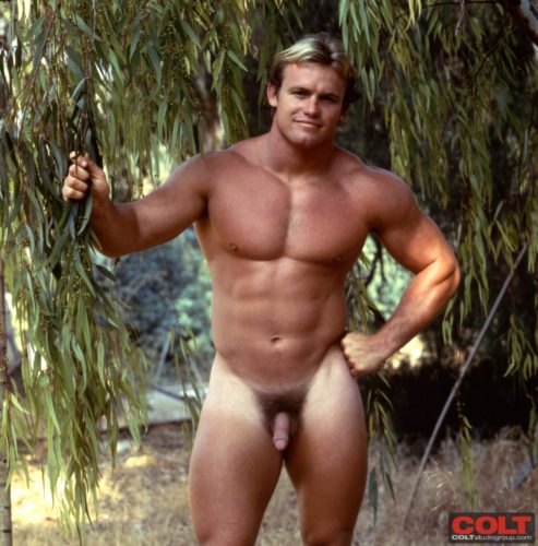 big-muscle-stud-naked