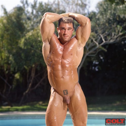 huge-muscle-bodybuilder